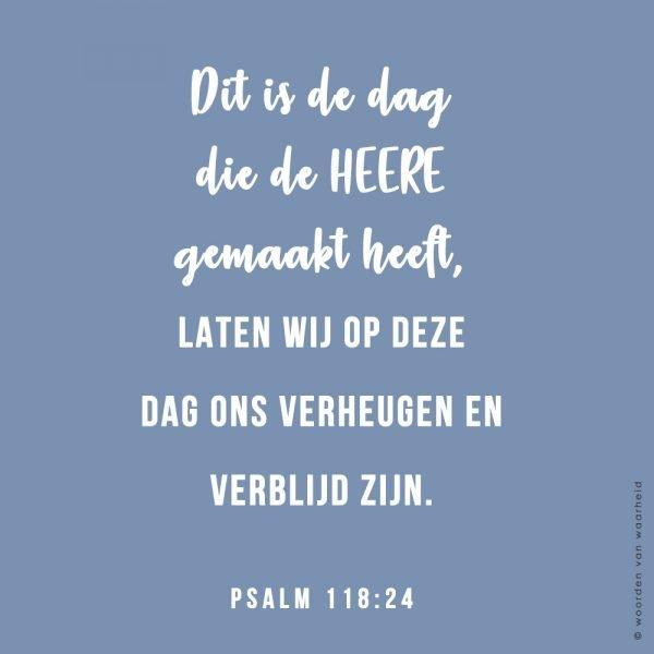 Wallpaper Psalm 118-24 download woordenvanwaarheid christelijke teksten op hout