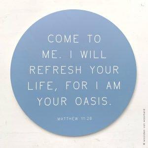 Muurcirkel grijsblauw Matthew 11-28 christelijke tekst op hout plank bijbeltekst woordenvanwaarheid